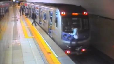 Photo of Алматыда жүріп бара жатқан метроға жабысқан блогер ұсталды